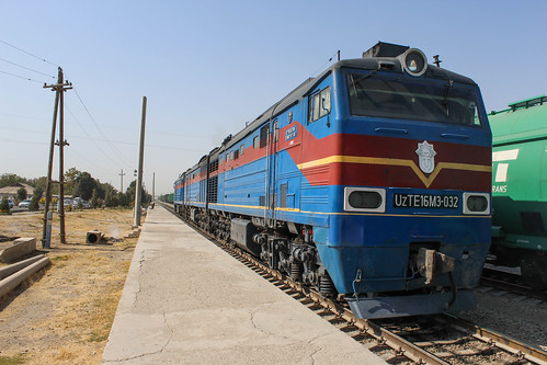 Uzbek engine at Kumkurg'on train station | by Timon91