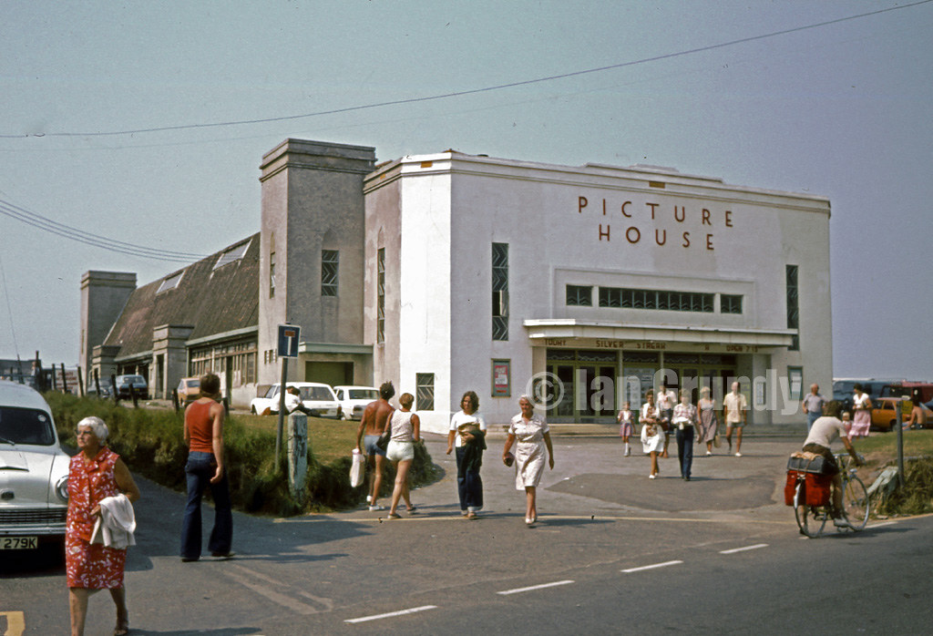 76 bude picture house picture house bude c1976 the film for Picture of house