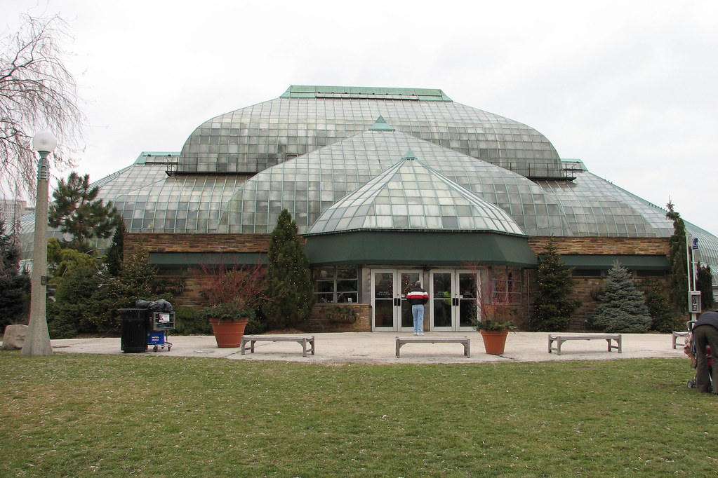 Lincoln Park Conservatory A View Of The Front Entrance