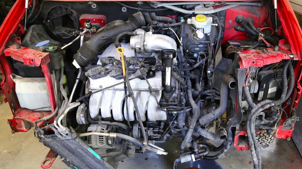 New Coolant Reservoir Hose Vent Hose Front for Audi A4 S4 B9 1.8 2.0