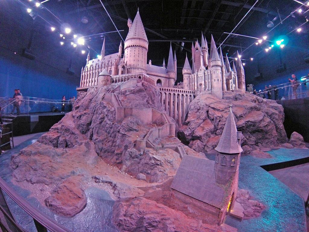 Castillo utilizado para las grabaciones de la película [object object] - 19015678490 e7f914dcd0 b - Harry Potter Studios en Londres