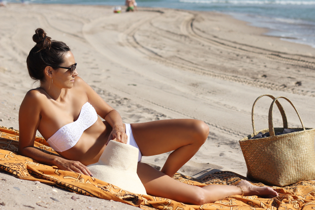 white bikini coohuco 3