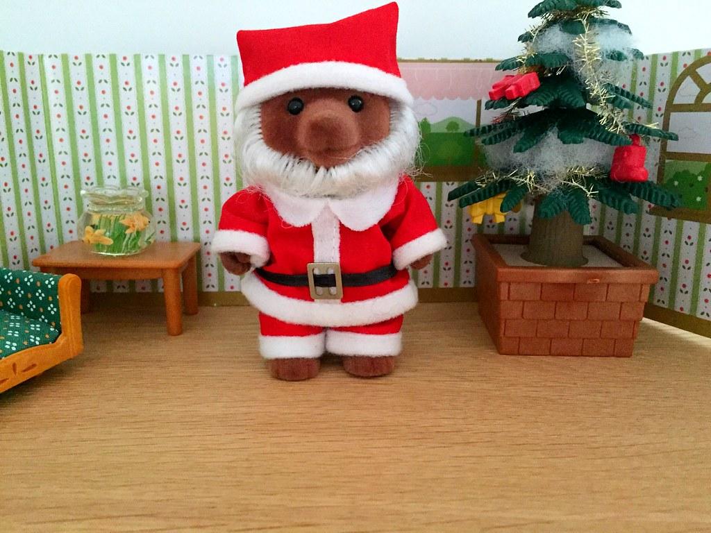 Sylvanian Families - Father Christmas Gift Set | Sébastien Jamon ...