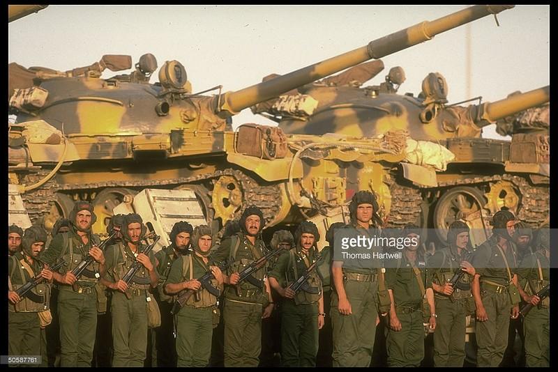T-62-syrian-in-saudi-arabia-1990-4lj-2