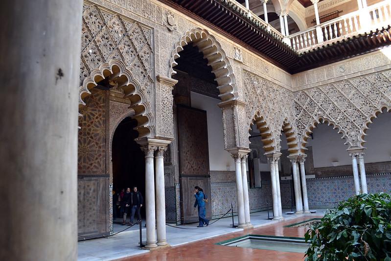 El gran Patio de Doncellas del Alcázar de Sevilla