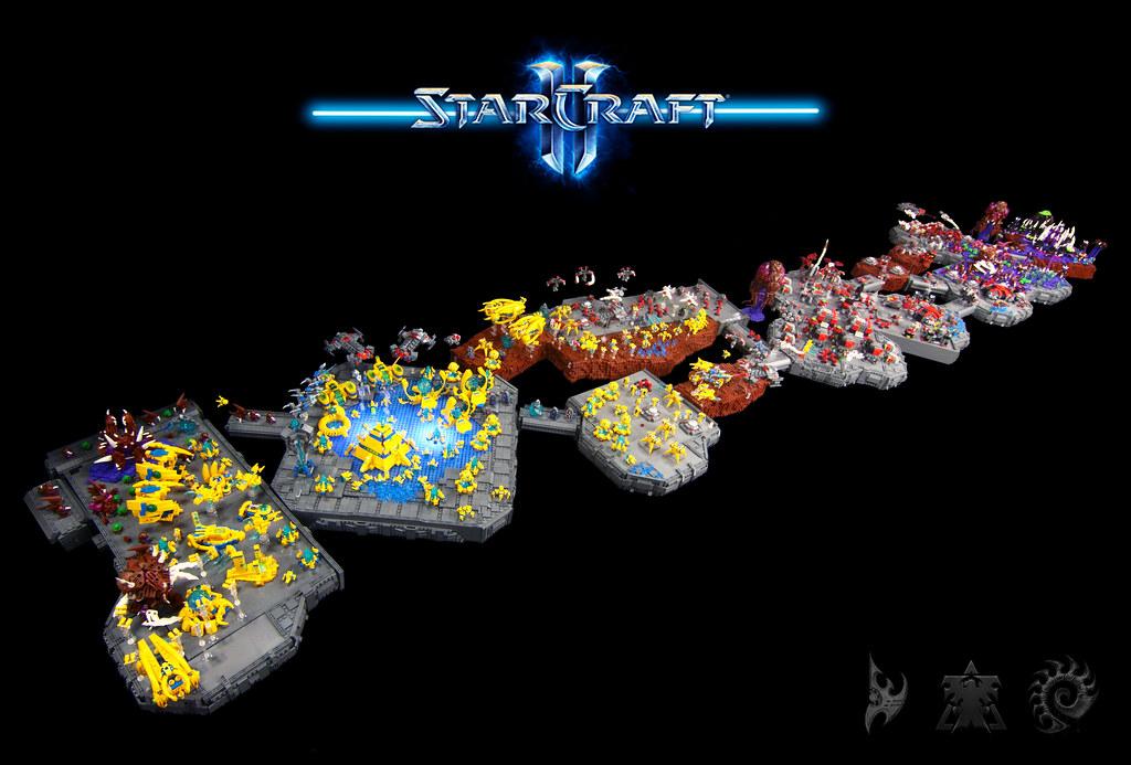 Massive LEGO Starcraft II MOC 19075763200_3e53bb8601_b