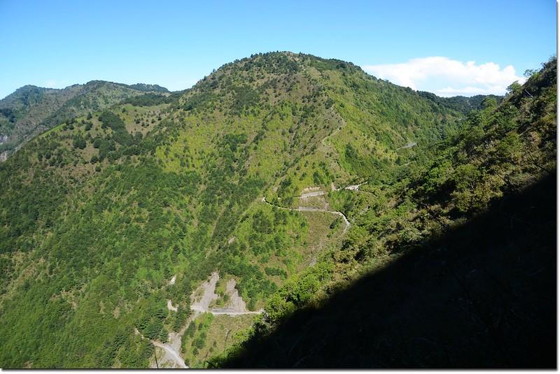 玉山登山步道西眺鹿林、麟趾等山