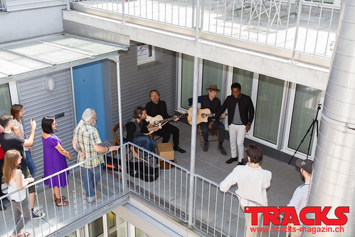 Vintage Trouble Exclusive Acoustic Set for TRACKS @ Universal Music CH