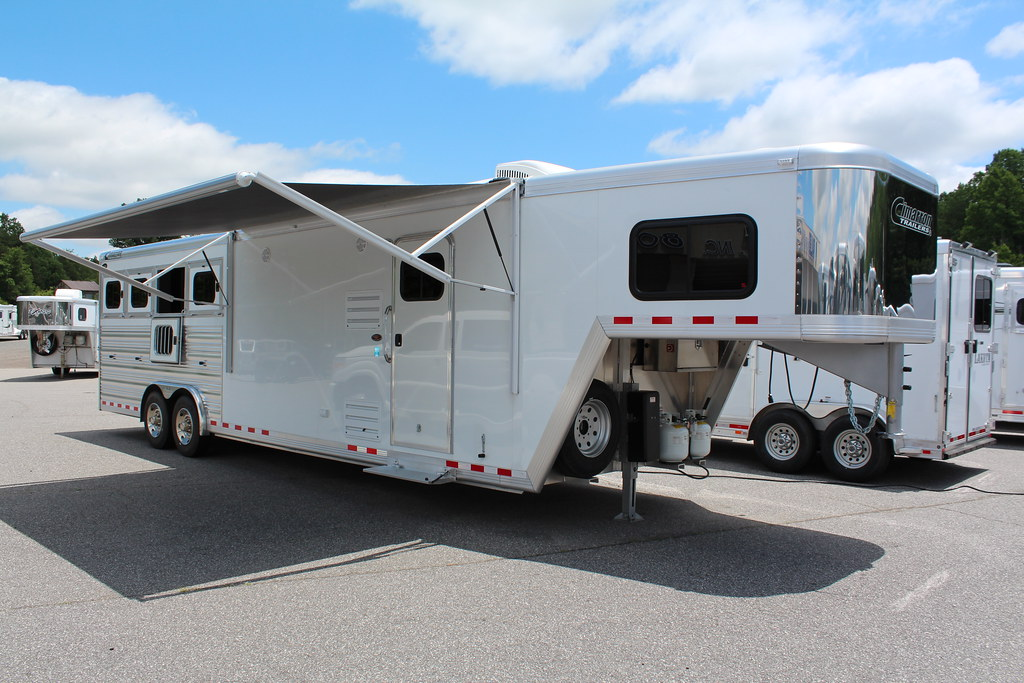 Cimarron 4 Horse Living Quarters Horse Trailer This New 20 Flickr