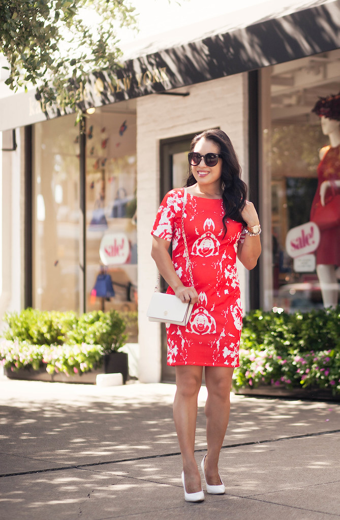 cute & little blog | petite fashion | red rose print dress, tory burch robinson wallet on chain, white pumps