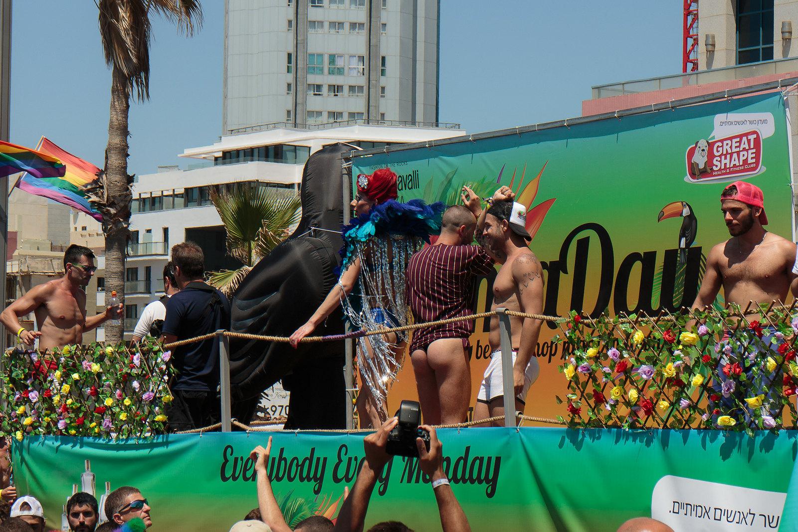 150612-pride_parade-019