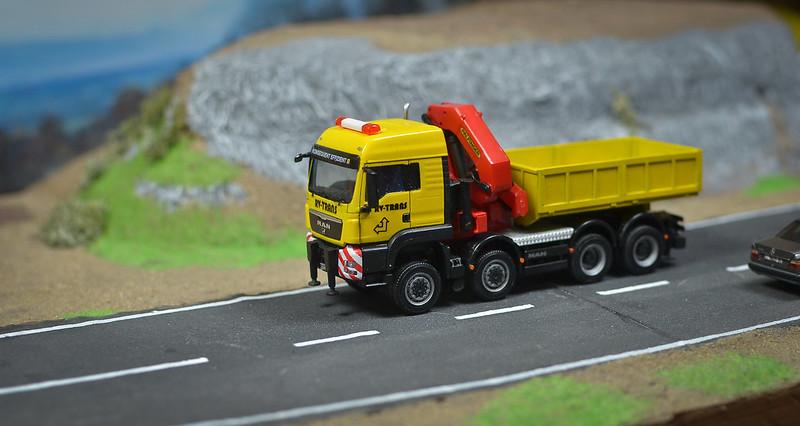 Camiones, transportes especiales y grúas de Darthrraul 31895168480_d4d571c085_c