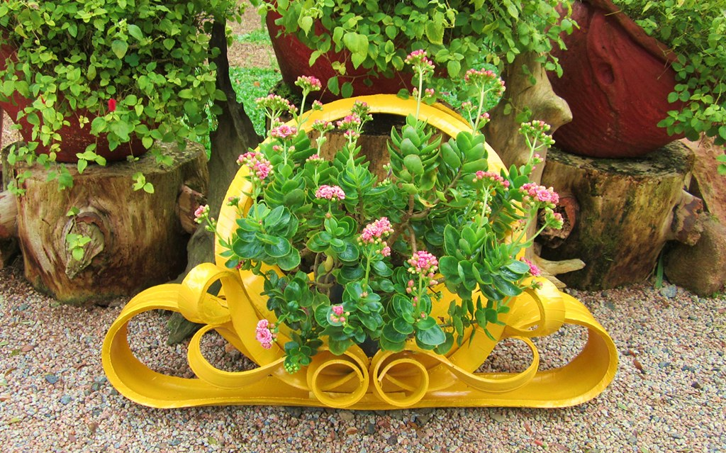 ... Recycling Old Tire   Yellow Planter Made By Me | By Adriana Cristina  Razia