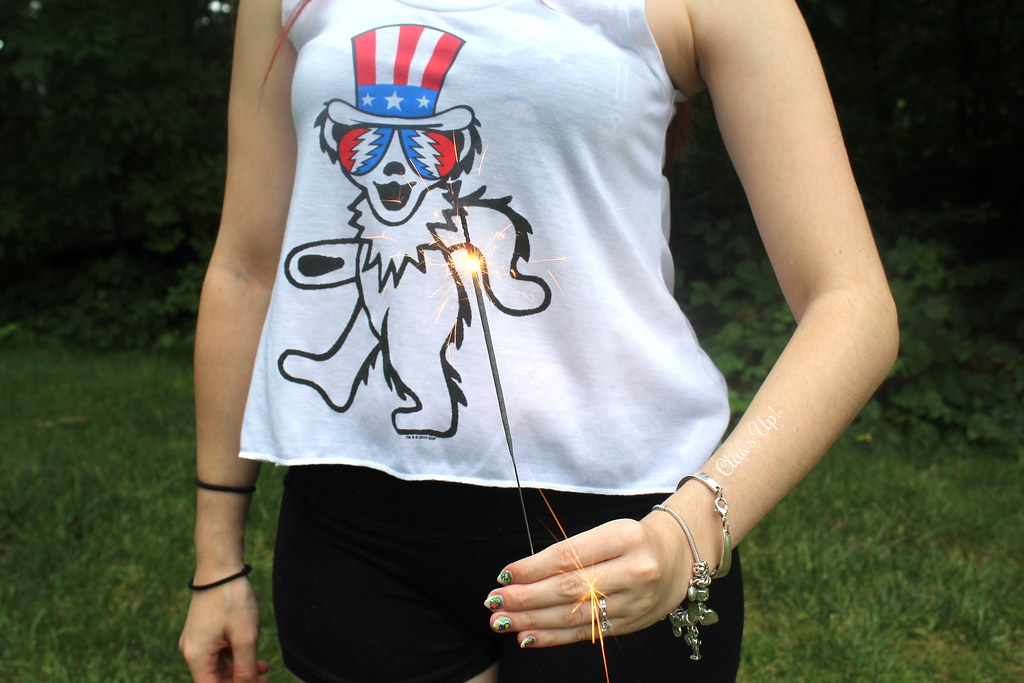 The Grateful Dead Dancing Bear fourth of July shirt