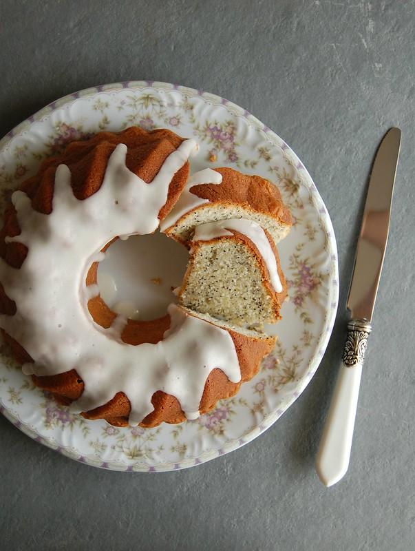 Poppy seed cake / Bolo de sementes de papoula
