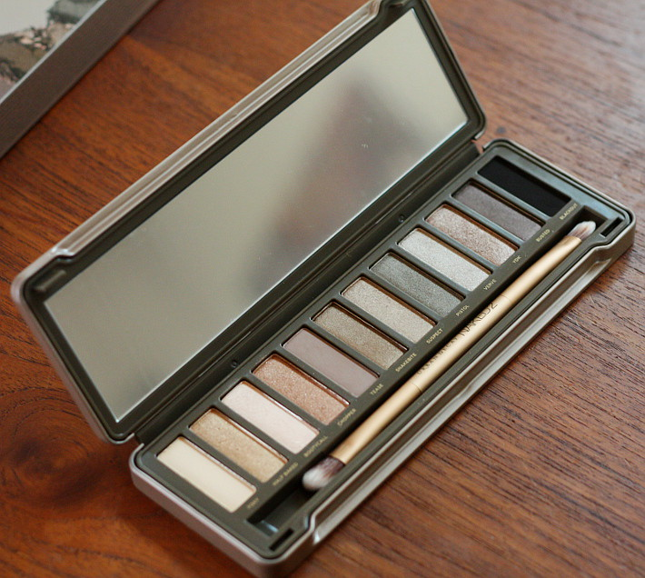 Urban Decay Naked 2 palette: review and tutorial