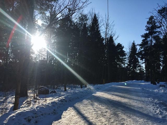 WInterSnowFinlandSunHelsinki, utdoor walks, ulkona kävely, winter, talvi, sää, weather, suomi, helsinki, finland, helmikuu, february, aurinko, sun, päivä, day,