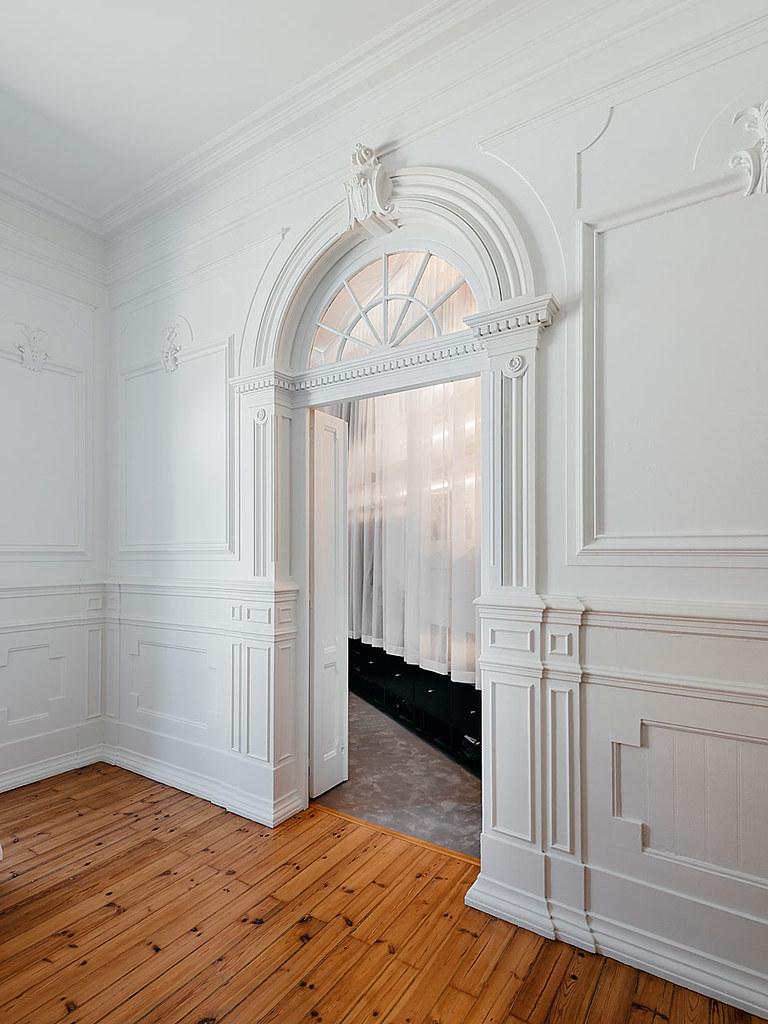 Classic apartment interior in the Lisbon Sundeno_21