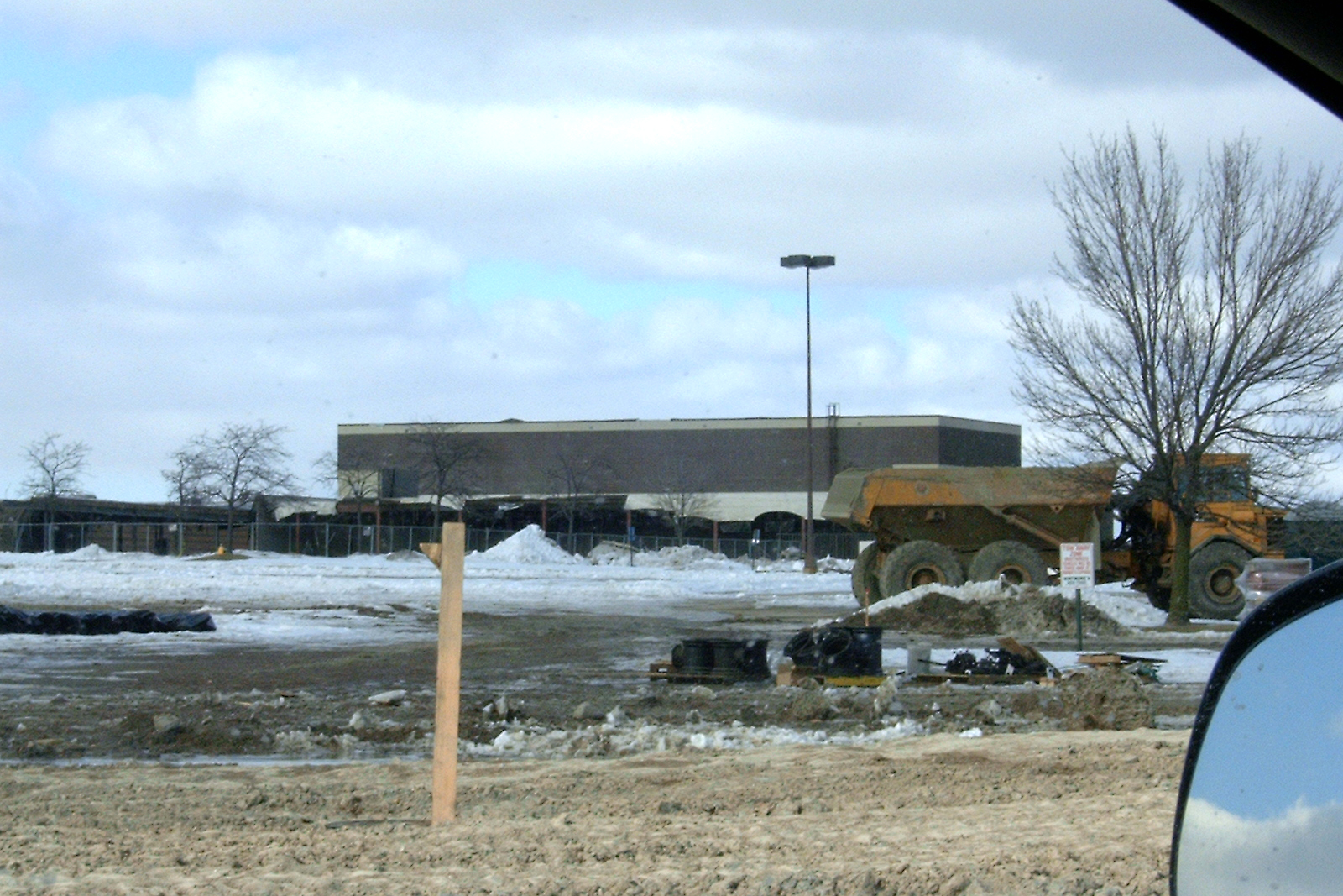 Lakehurst Mall demo: February 2004