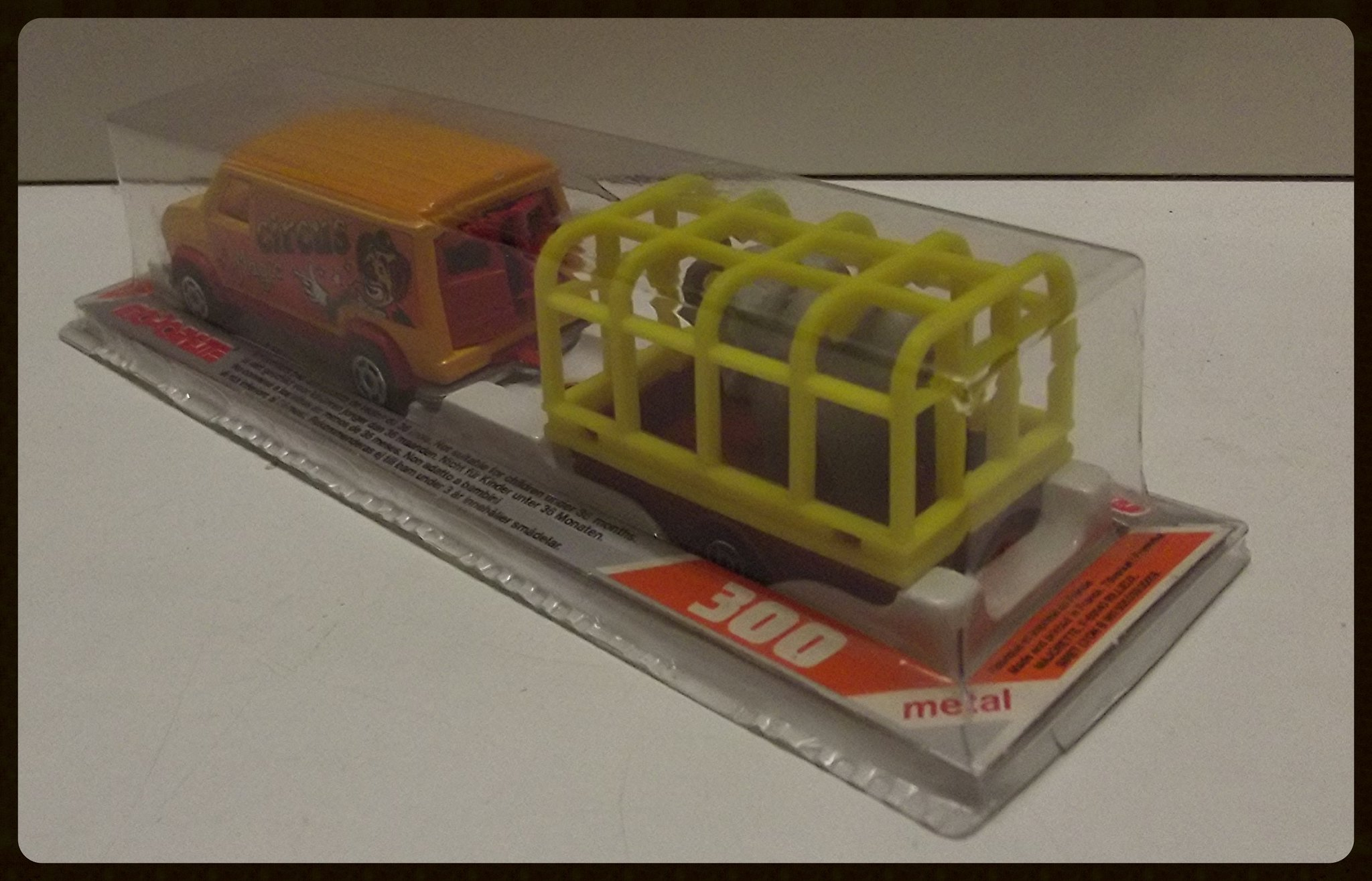 N°344 FORD ECONOLINE III + CAGE ELEPHANT 32863879816_dc0191ce97_k