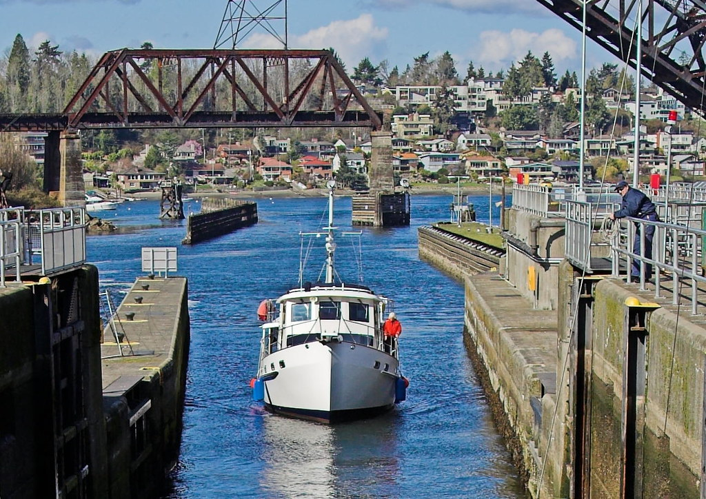 Seattle ballard mar06 05 01 ballard locks seattle flickr for Ballard locks fish ladder