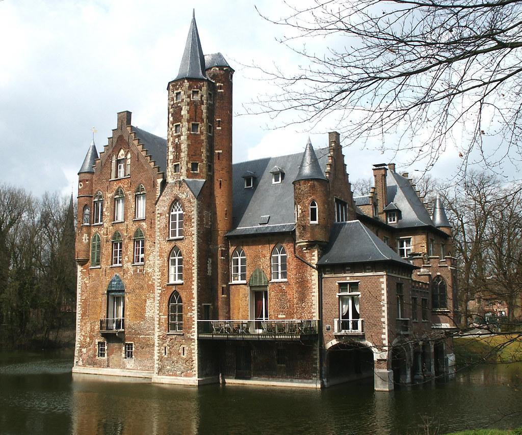 Kasteel wissekerke bazel reeds in de 10de eeuw stond op d flickr - Het huis van de cabriolet ...