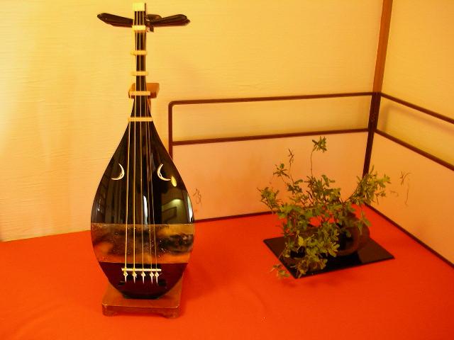 Japanese lute / 琵琶 | Kazuhisa OTSUBO | Flickr