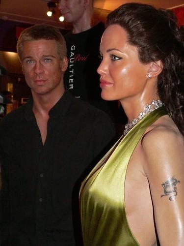 The happy couple Brad Pitt and Angelina Jolie at Madame Tu ... Brad Pitt And Angelina Jolie