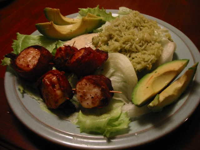 Bacon-wrapped scallops with spicy chipotle mayo, green ric… | Flickr