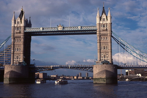 1984-09 Thames tower bridge | by sydneydawg2006