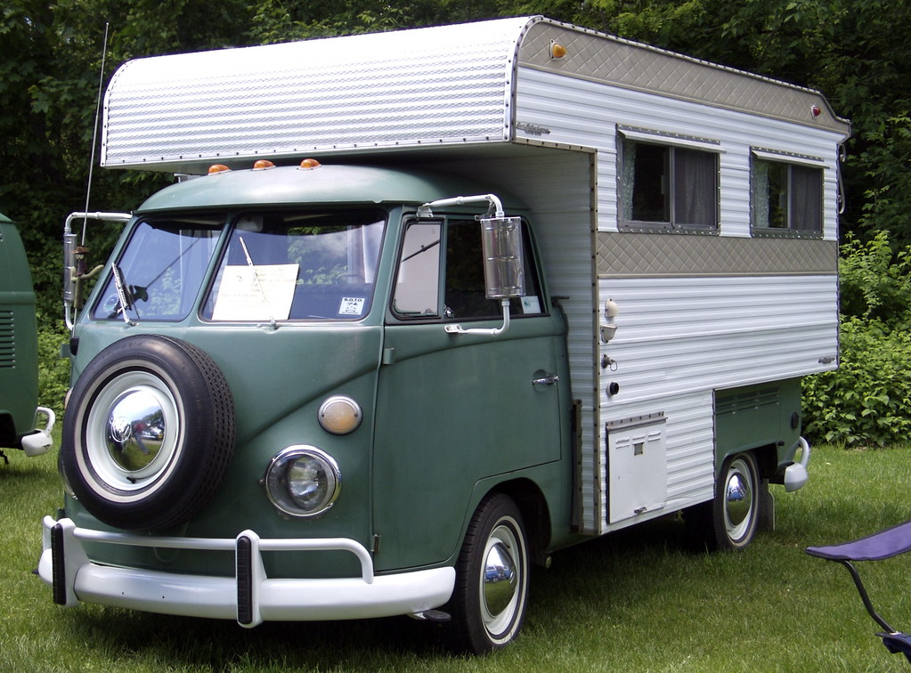 perris valley camper totally a case of fitting a round peg flickr. Black Bedroom Furniture Sets. Home Design Ideas