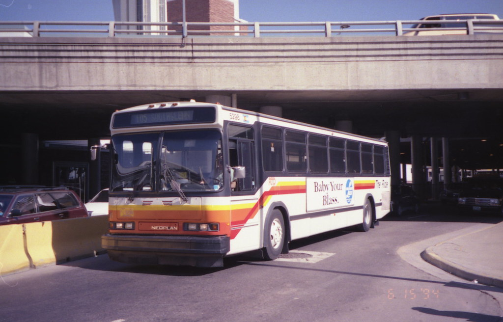 Denver Rtd Neoplan Bus At Stapleton Airport In 1994 Flickr