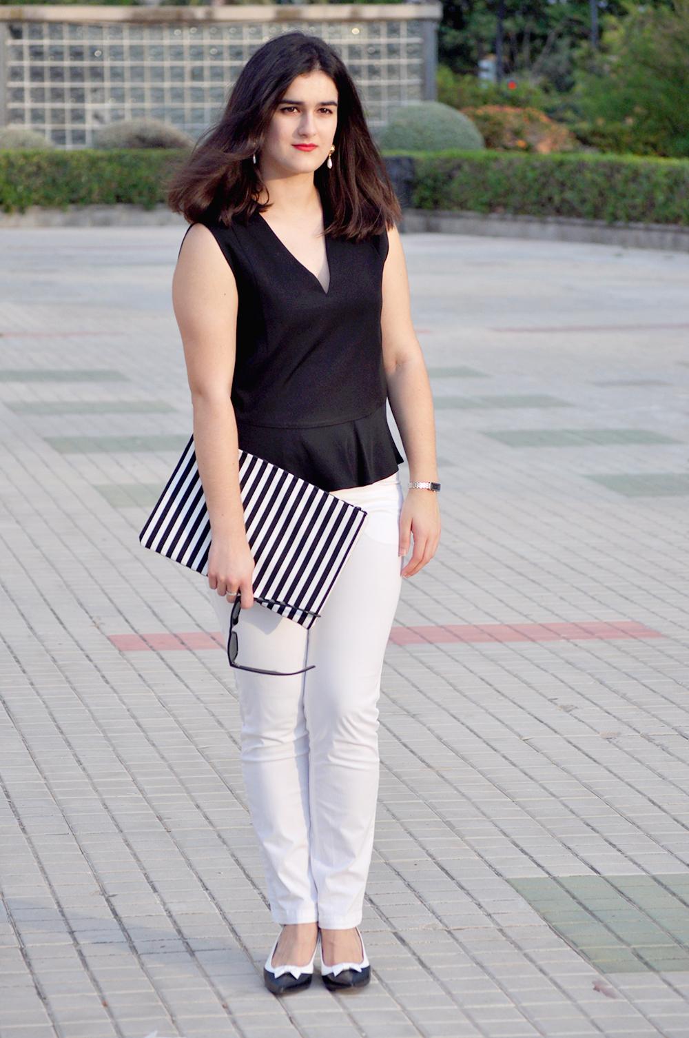 fashion valencia blogger, somethingfashion diy clutch bimba y lola, white streetstyle vlc outfit blog moda, prada vintage earrings, bimbaylola top estilo
