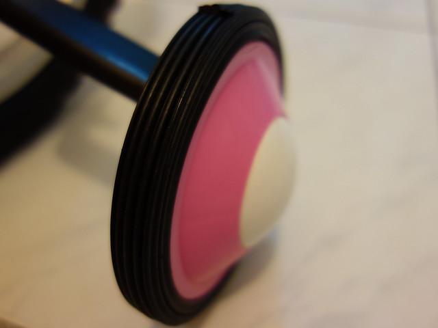 輔助輪我覺得好像也是全塑膠的@Adagio 16吋卡布奇諾打氣胎童車附置物籃-粉色(BEYJ179P)
