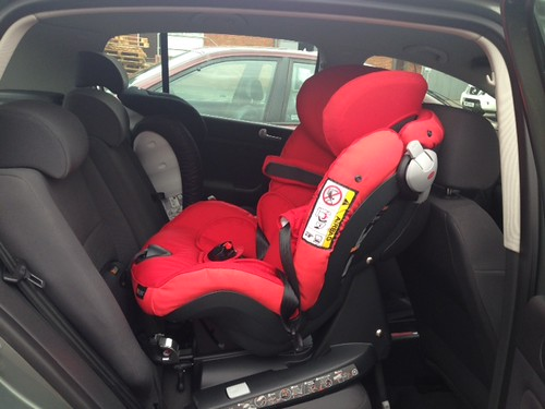 besafe izi combi x4 isofix in a vw golf plus 56 plate flickr. Black Bedroom Furniture Sets. Home Design Ideas