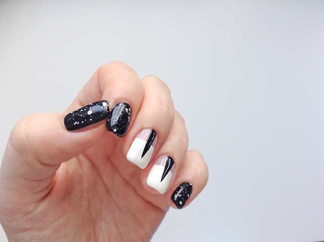 Nailart: black and white universe
