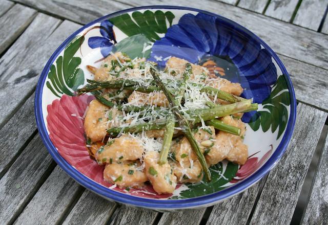 gnocchi pesto asparagus
