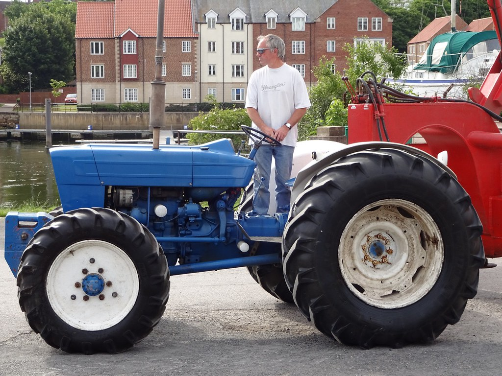 Ford 4000 Tractor : Ford county tractor whitby well cared for