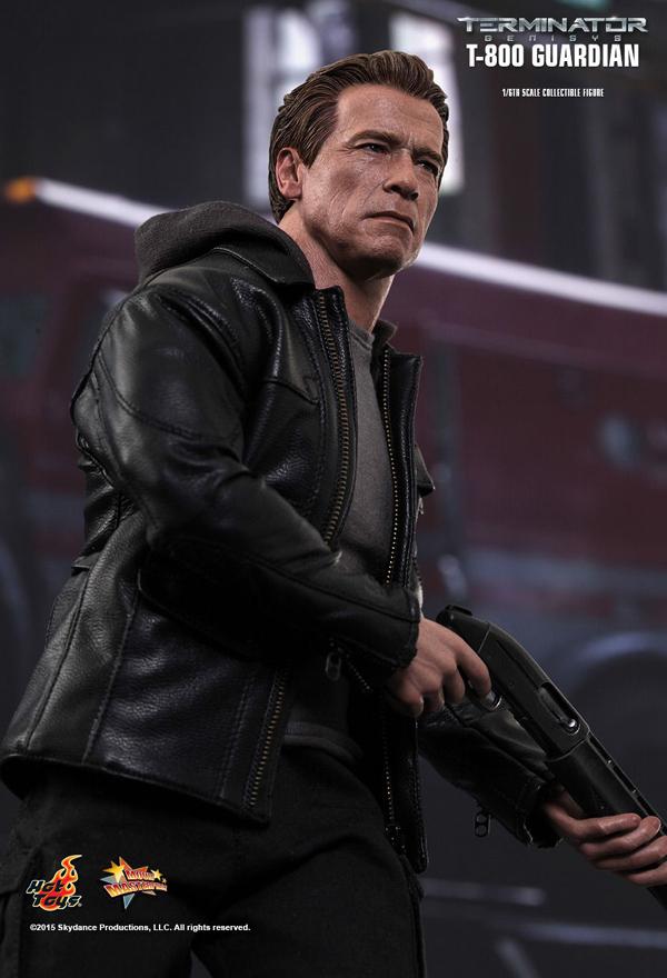 Hot _Toys_Terminator_Guardian_03