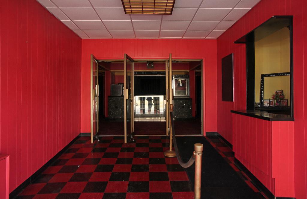 Interior, Dawn Theater — Hillsdale, Michigan | Shuttered ...
