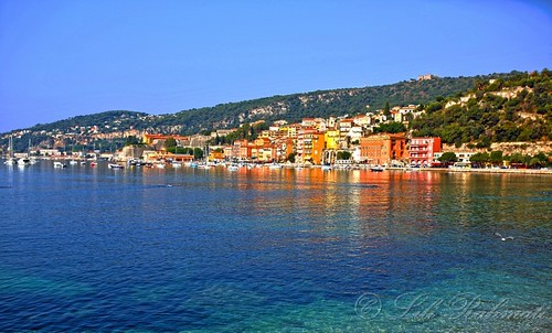 French Riviera Travel Guide Book