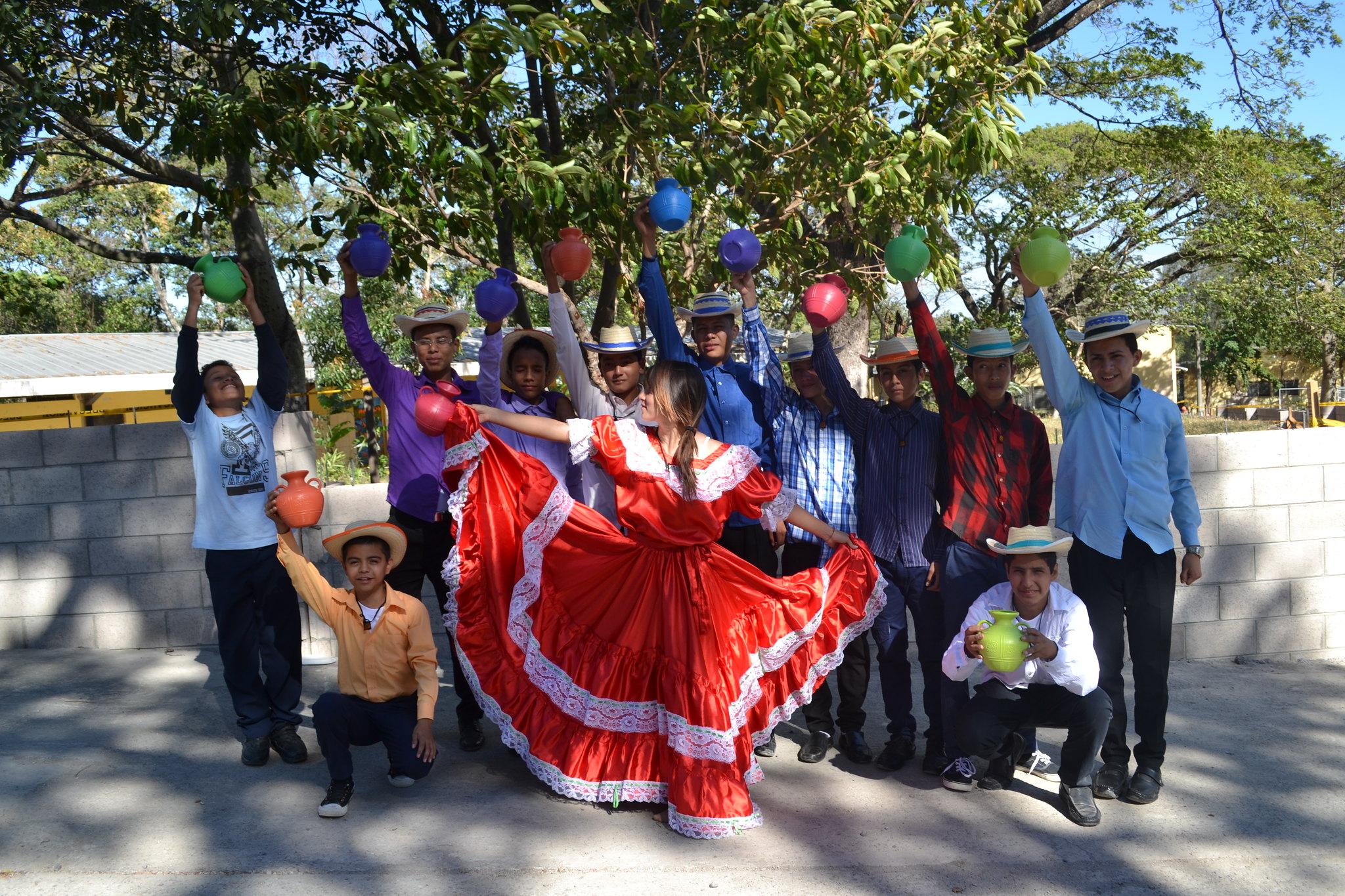 8. Graduacion - Interpretacion Club Danza 2016