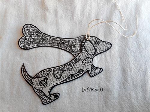 tag #7 bassotto con osso 1 13,5 x 6 cm cane
