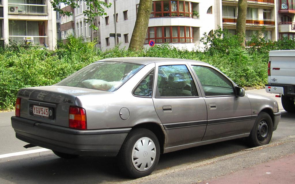 Opel vectra 1 8 s gl place antwerpen rutger van der for Opel vectra c salonas