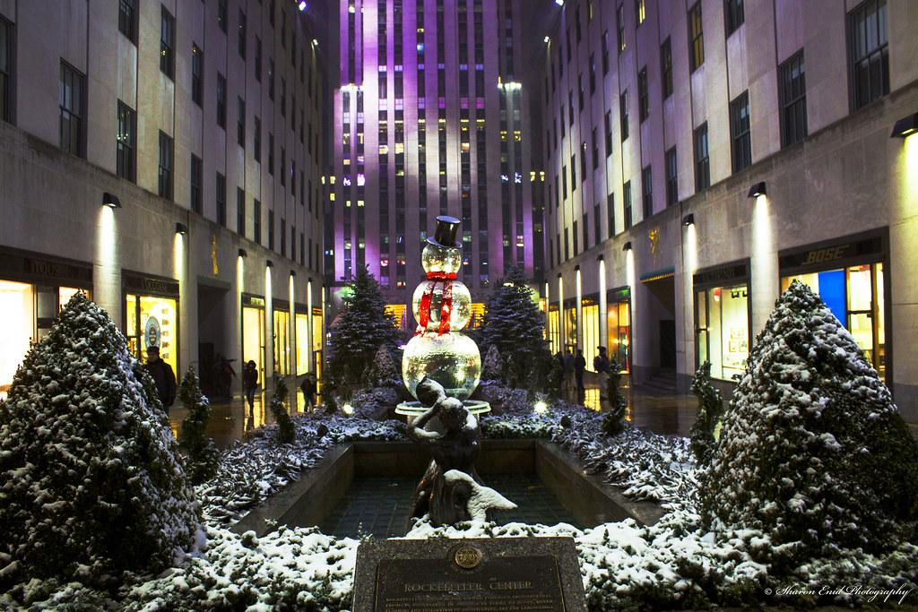 Snowman (Rockefeller Center)