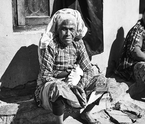 Kathmandu_mono.