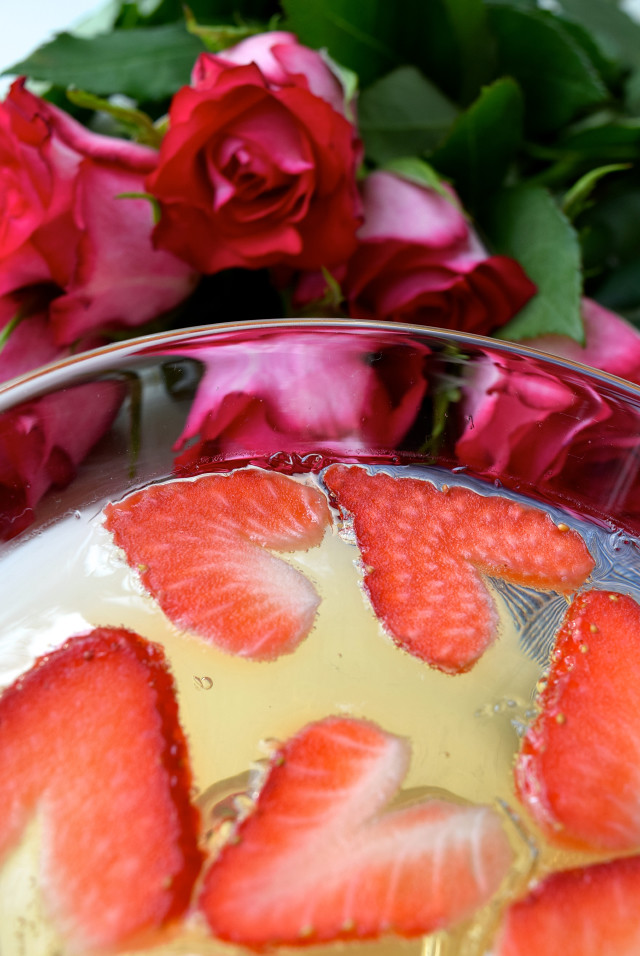 Strawberry Hearts | www.rachelphipps.com @rachelphipps