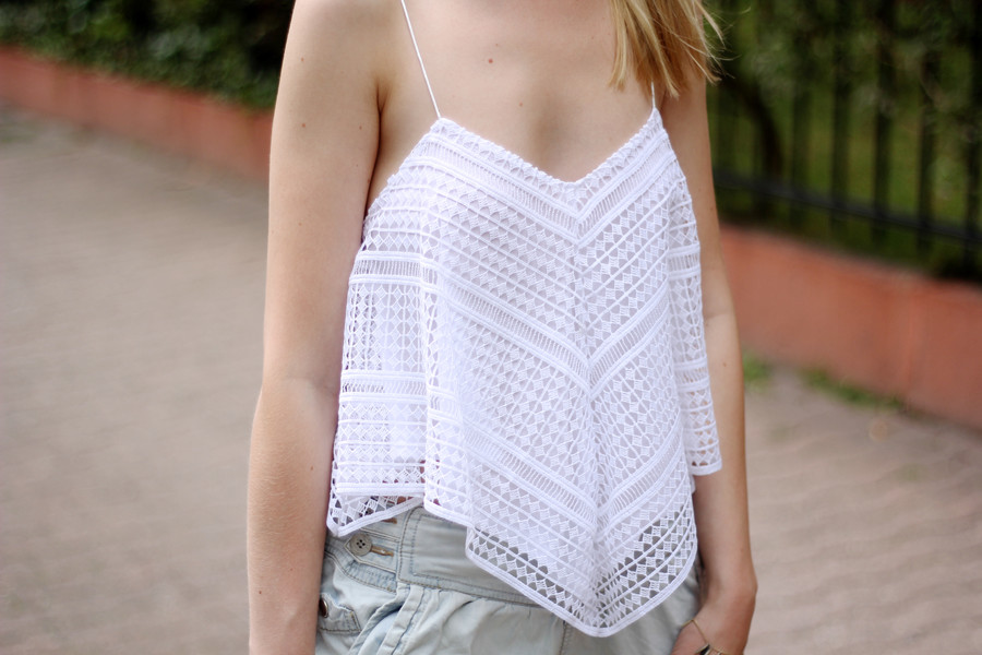 Outfit-zara-top-detail-cropped-camisole-lace