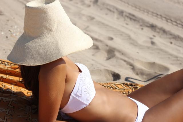 white bikini coohuco 6