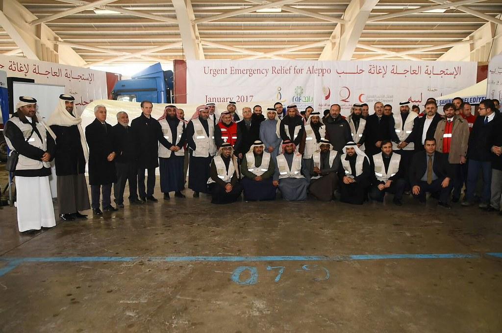 صورة جماعية للمشاركين في الإستجابة العاجلة لإغاثة حلب #حلب_لبيه